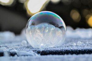 Мильні бульбашки на морозі