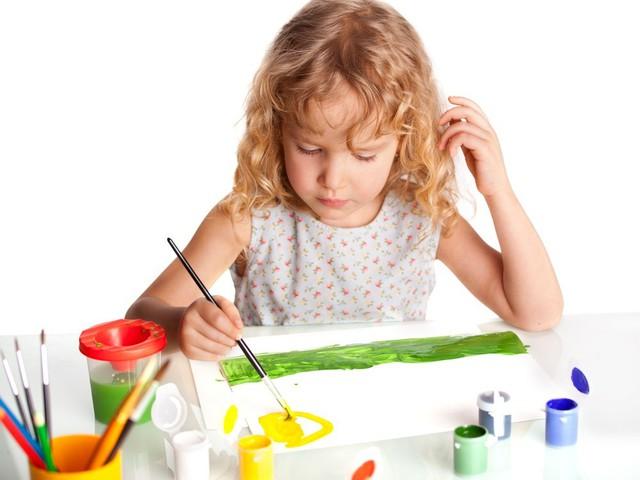 Не вчіть дитину малювати