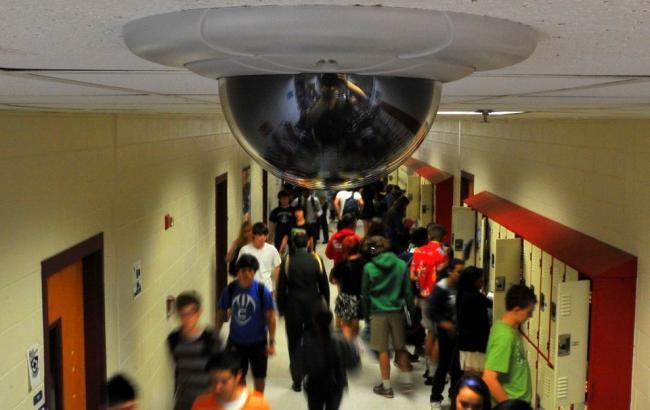 Камери в школах