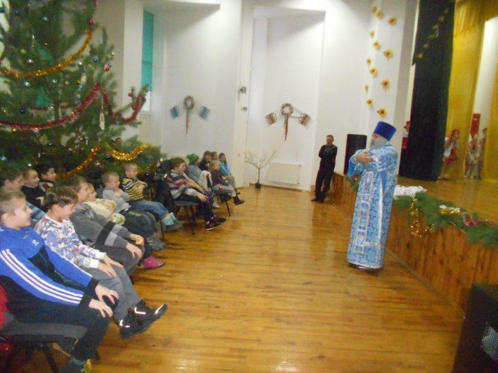 Святий Миколай для знедолених діток