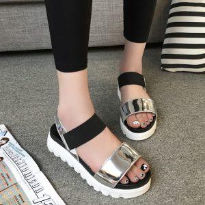 214fc0c15f7721 Яке взуття буде популярним цього літа: найстильніші моделі жіночого ...